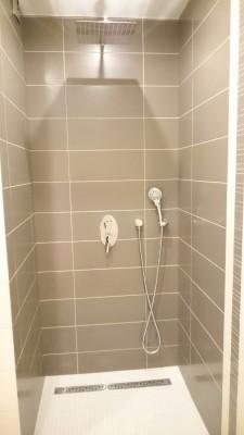 Ванна или душевая кабина? - 9gwpz0syVC8.jpg