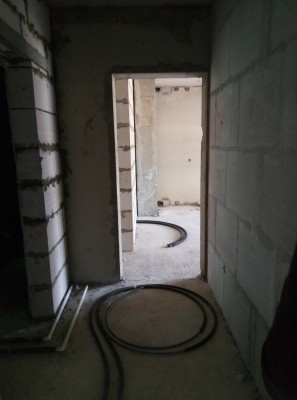 Коридор в кухню 3ком  - P70528-152101.jpg