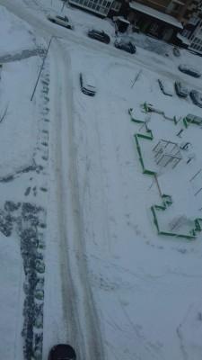 Все дружно на чистку снега  - IMG-0a1d35500b34d317985a3f442eba595f-V.jpg